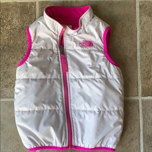 The north face vest size 4t girls